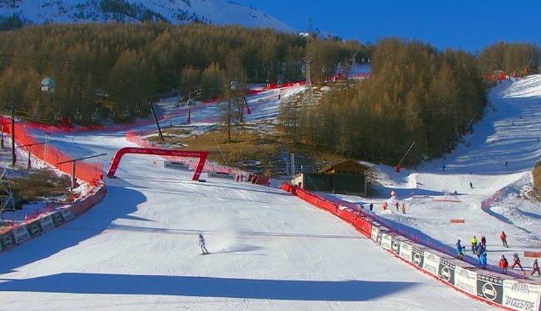 Annulation des courses féminines de Val d'Isère